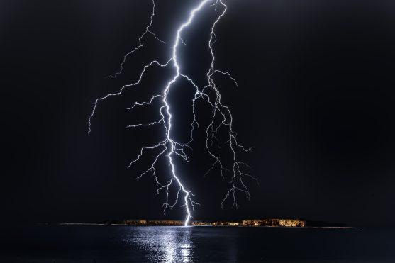 dark-flash-lightning-1114690