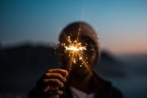 firecracker-focus-hand-2407130