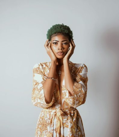 beautiful-woman-green-hair-kimono-1895896